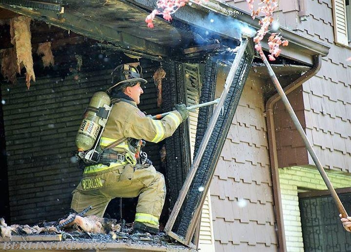 Companies Respond To Mid Day Building Fire Berlin Fire